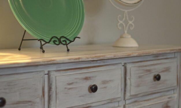 Decora con muebles antiguos pintados a la tiza